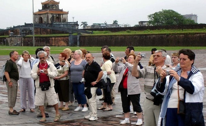 Open visa policy could double foreign arrivals to Vietnam by 2020 – tourism group