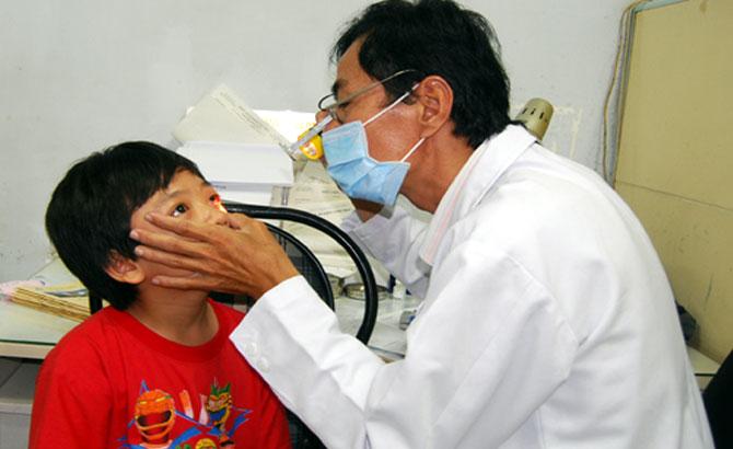 Bắc Giang: Gia tăng bệnh nhân đau mắt đỏ