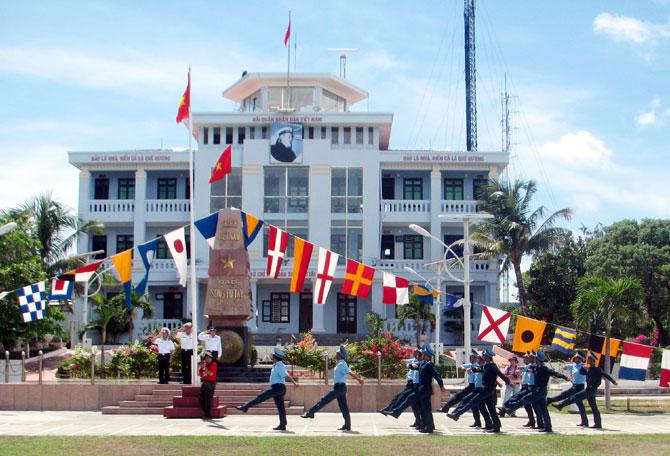 Trường Sa, trái tim, cột mốc, chủ quyền, người dân,  đất Việt