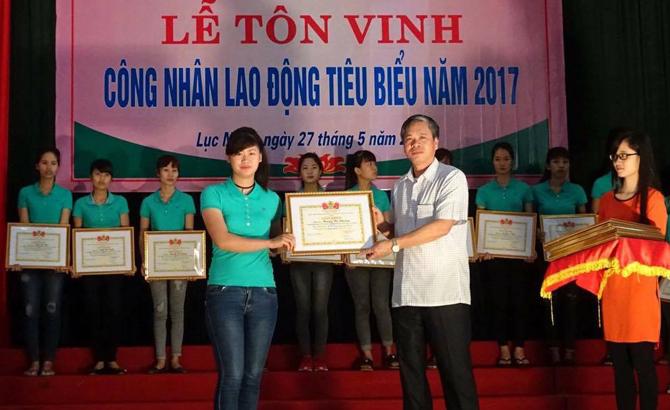 Tôn vinh 100 công nhân lao động tiêu biểu năm 2017