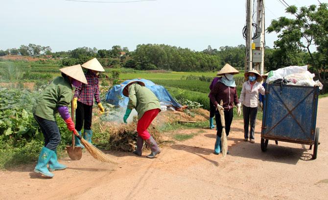 Phụ nữ xã An Hà chung tay  giữ sạch làng, đẹp ngõ