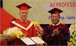 Phong tặng chức danh Giáo sư cho nhà khoa học Pháp