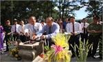 Các đồng chí lãnh đạo tỉnh Bắc Giang dâng hương tại Nghĩa trang liệt sĩ Quốc gia Trường Sơn và Đường 9