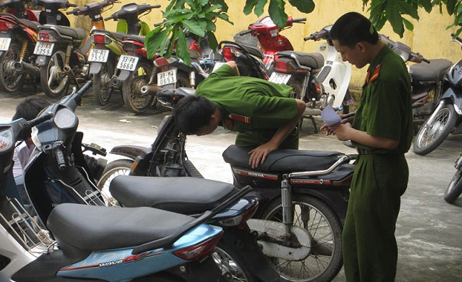 Lạm dụng, tín nhiệm, chiếm đoạt, xe máy