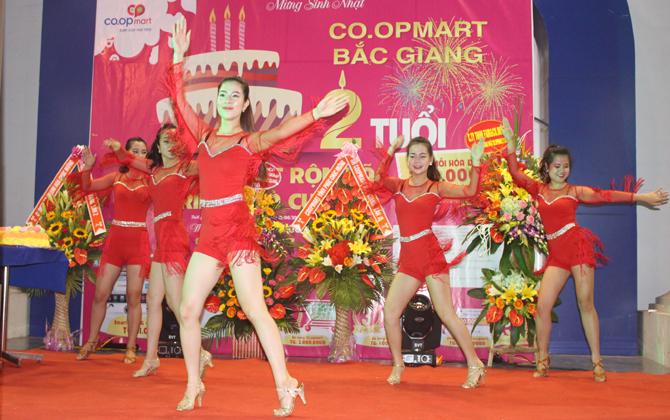 Siêu thị, Co.opmart Bắc Giang, tổ chức, sinh nhật, hai tuổi