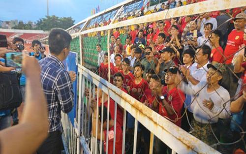 """Công Vinh và sự """"thấu cảm"""" của bóng đá"""