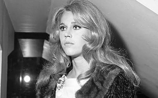 Chuyến thăm Việt Nam năm 1972 và những bức ảnh gây tranh cãi của Jane Fonda