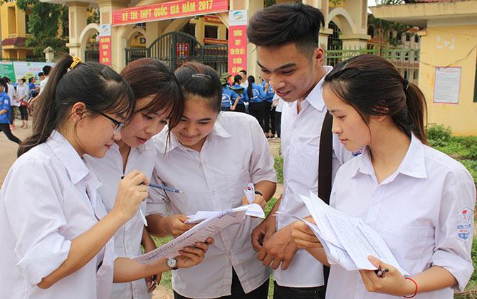 Kết thúc môn Ngoại ngữ, khoảng 4,7 nghìn thí sinh hoàn thành kỳ thi THPT quốc gia