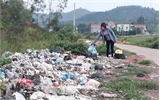 Thực hiện Chiến dịch 100 ngày ra quân vệ sinh môi trường - Rác 'tái chiếm' đường sá, kênh mương