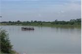 Khai thác cát trái phép trên sông Lục Nam