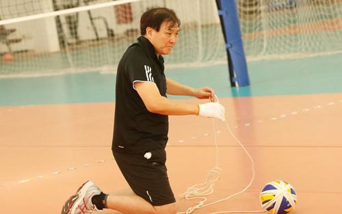 HLV Nhật Bản bỏ việc ở tuyển bóng chuyền nữ Việt Nam