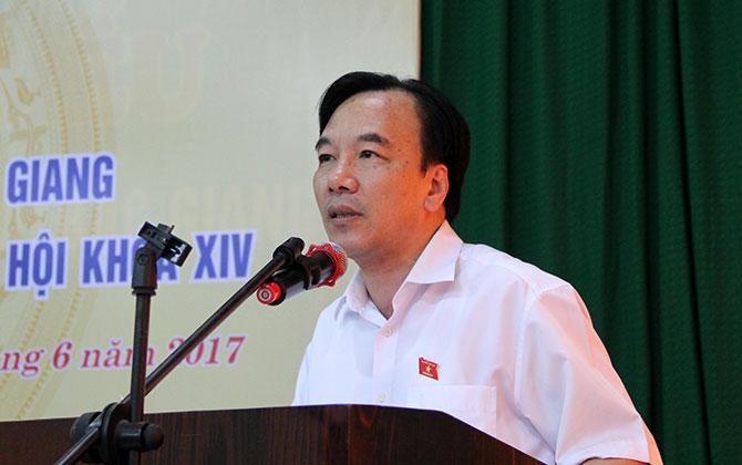 Đại biểu Quốc hội tiếp xúc cử tri tại một số đơn vị: Nhiều kiến nghị về chính sách quốc phòng, y tế, nông nghiệp nông thôn