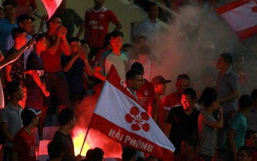 Cổ động viên Hải Phòng bị cấm đến sân khách hết mùa V-League 2017