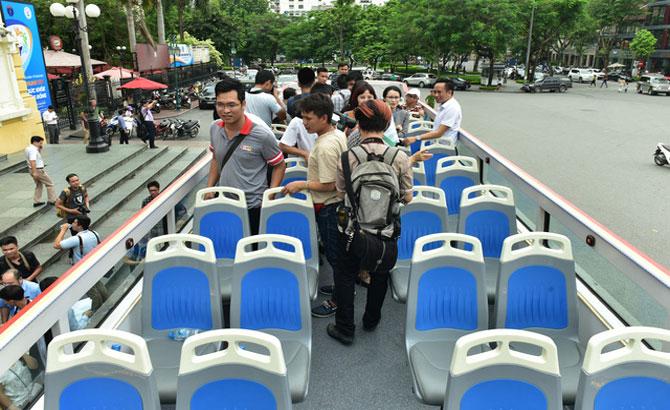 Xe buýt 2 tầng phục vụ Citytour: Cần tính trong điều kiện của Việt Nam