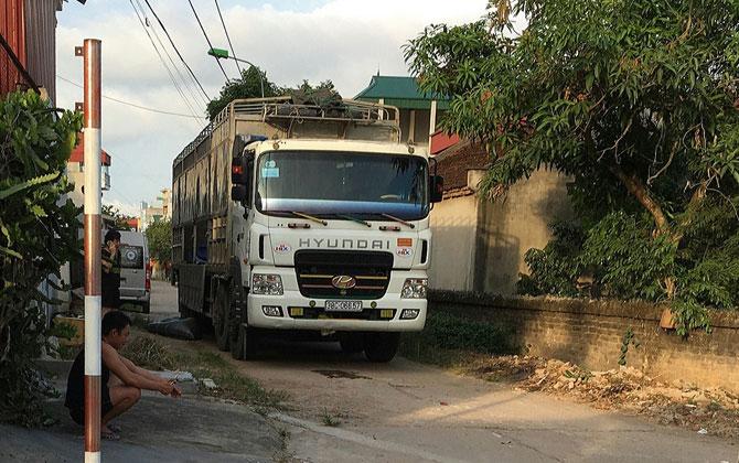 Xử lý cơ sở chế biến thức ăn chăn nuôi ở thị trấn Chũ gây ô nhiễm môi trường: Dấu hiệu đùn đẩy trách nhiệm?