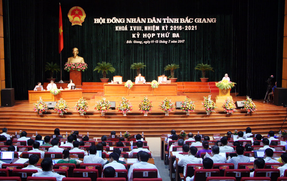 Khai mạc kỳ họp thứ ba, HĐND tỉnh Bắc Giang khóa XVIII