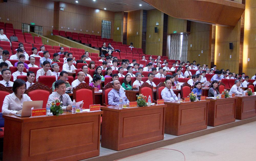 Kỳ họp thứ ba, HĐND tỉnh khóa XVIII, nhiệm kỳ 2016-2021: Tốc độ tăng trưởng tổng sản phẩm ở mức cao