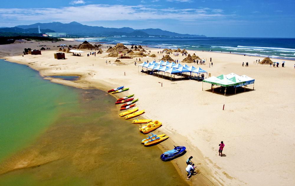Mùa hè thiên đường nơi những bãi biển đẹp nức tiếng châu Á