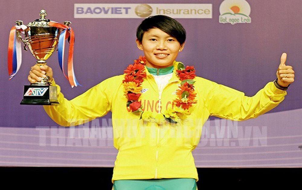 Nguyen Thi That wins national women's open cycling tournament