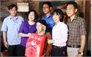 Phó Chủ tịch UBND tỉnh Nguyễn Thị Thu Hà thăm, tặng quà người có công huyện Hiệp Hòa