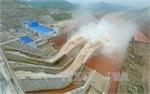 Công điện hỏa tốc về mở cửa xả lũ thủy điện Hòa Bình và Sơn La
