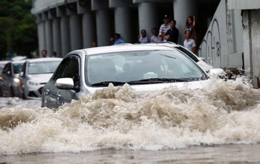 10 việc cần làm khi ôtô bị ngập nước