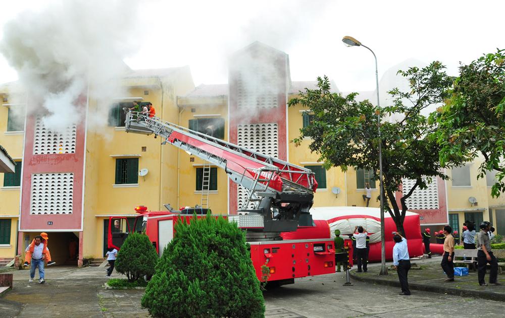 Cứu người là ưu tiên hàng đầu trong phòng cháy, chữa cháy