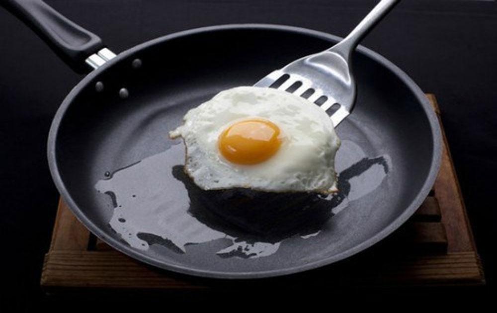 Sai lầm thường gặp khi dùng chảo chống dính gây hại sức khỏe
