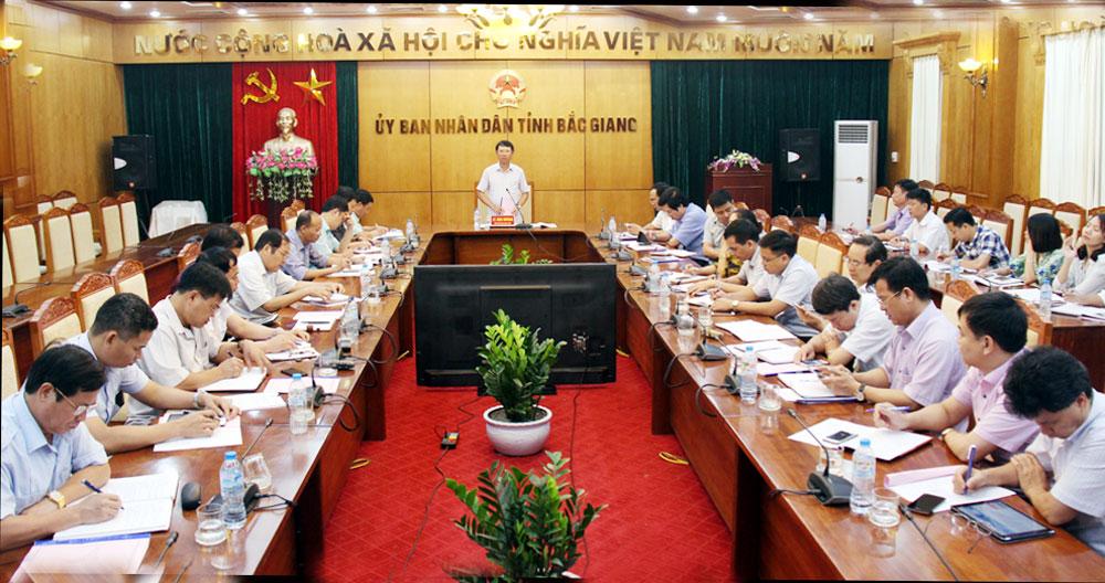 Đồng chí Lê Ánh Dương chủ trì hội nghị.