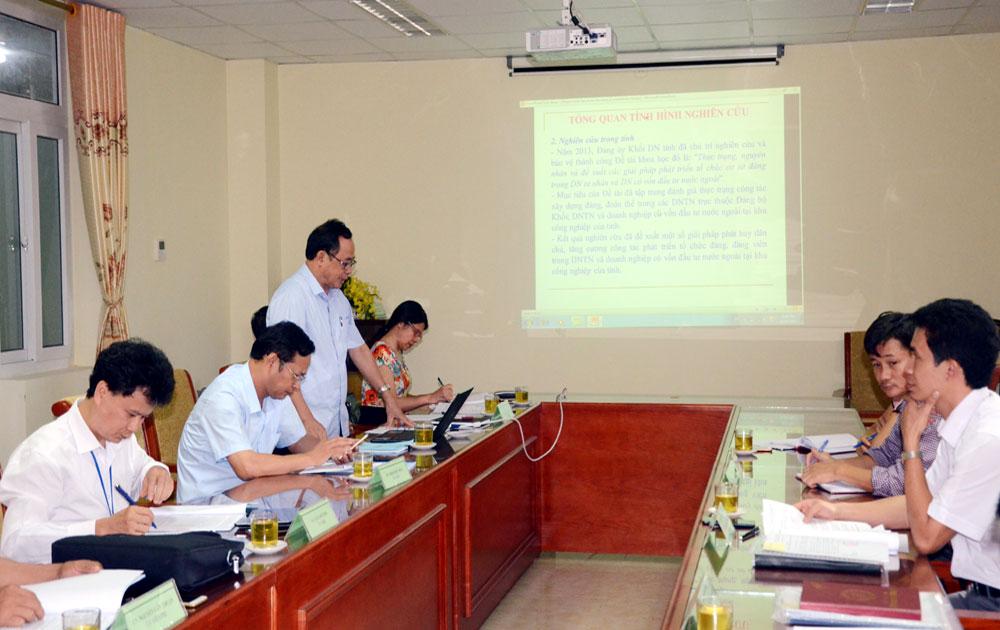 Tăng cường vai trò của tổ chức đảng trong doanh nghiệp ngoài khu vực nhà nước ở tỉnh Bắc Giang giai đoạn hiện nay
