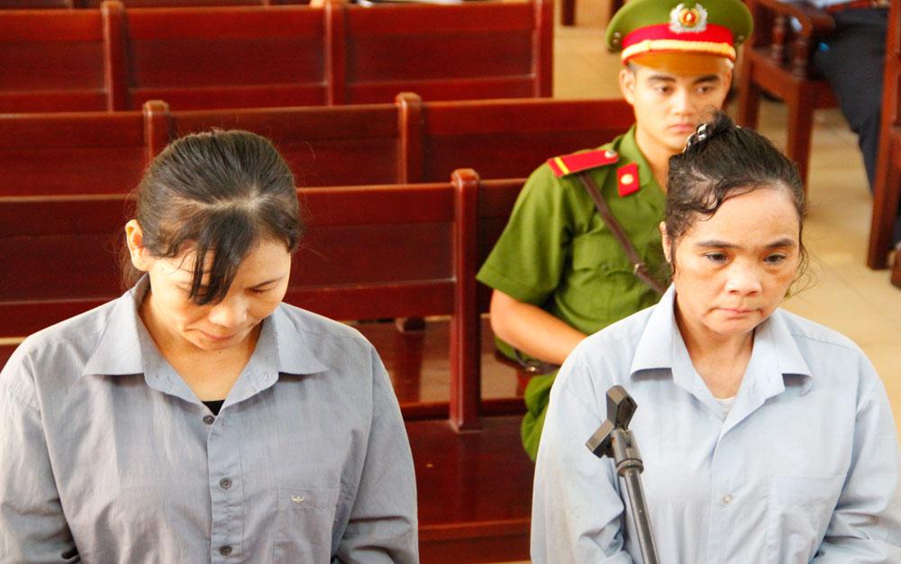 Xét xử hai phụ nữ thuê côn đồ gây án