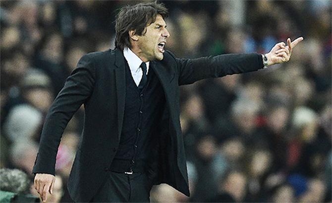 Bí quyết kiểm soát phòng thay đồ Chelsea của HLV Antonio Conte