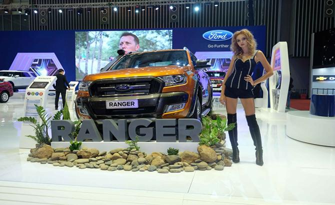"""Ford khoe hết """"hàng"""" tại triển lãm ô tô Việt Nam 2017"""