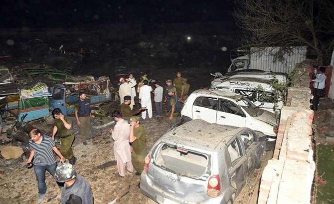Pakistan: Đánh bom bằng xe chở hoa quả, ít nhất 34 người bị thương