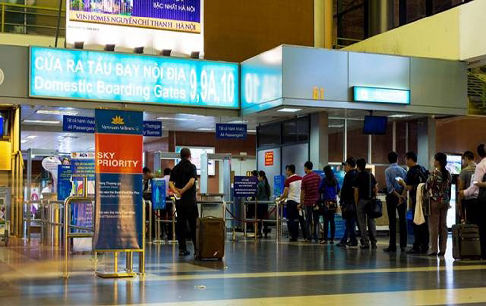 55 million passengers fly into Vietnam's airports in first 7 months