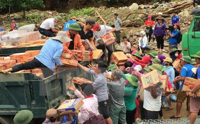 MTTQ hỗ trợ, chia sẻ với những gia đình bị thiệt hại do mưa lũ