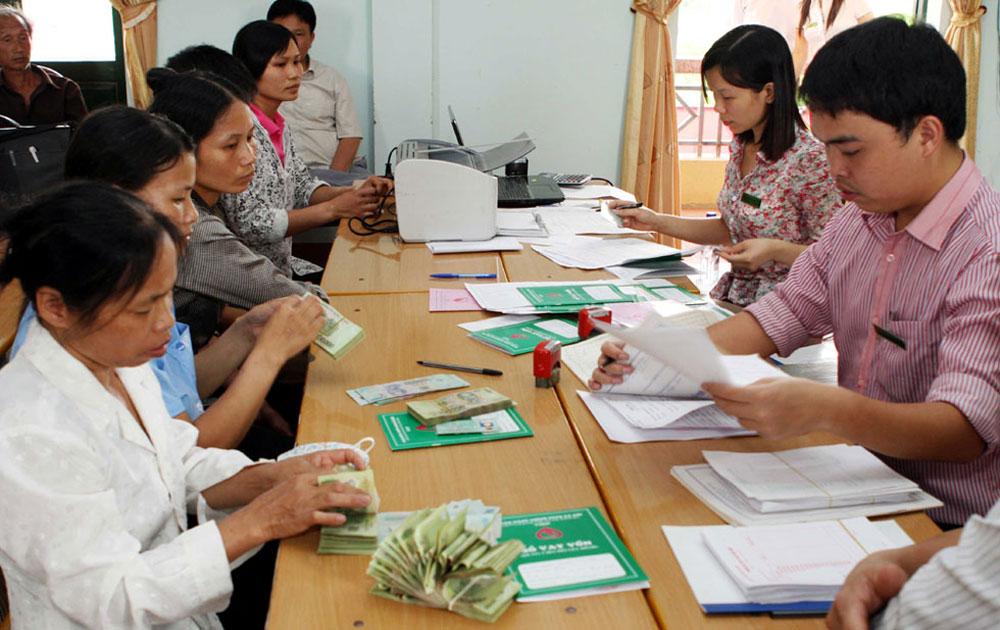 Sơn Động: Giải ngân vốn cho hội viên nông dân phát triển sản xuất