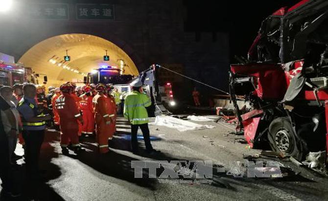 Trung Quốc: Tai nạn xe khách thảm khốc trong đường hầm, 36 người chết