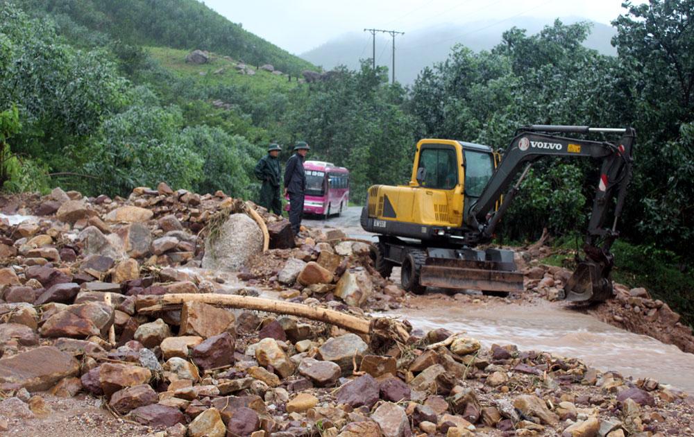 Sơn Động khắc phục hậu quả mưa lũ: Không để hộ dân nào bị đói