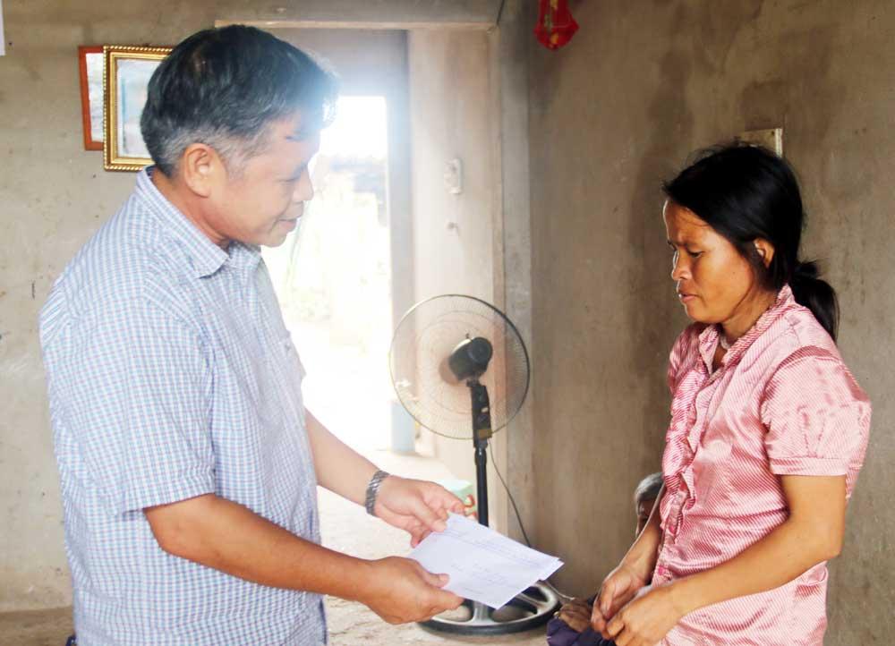 Báo Bắc Giang, trao tiền, hỗ trợ, gia đình, 4 học sinh, đuối nước, Lục Ngạn