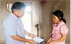 Báo Bắc Giang trao tiền hỗ trợ gia đình 4 học sinh đuối nước ở Lục Ngạn
