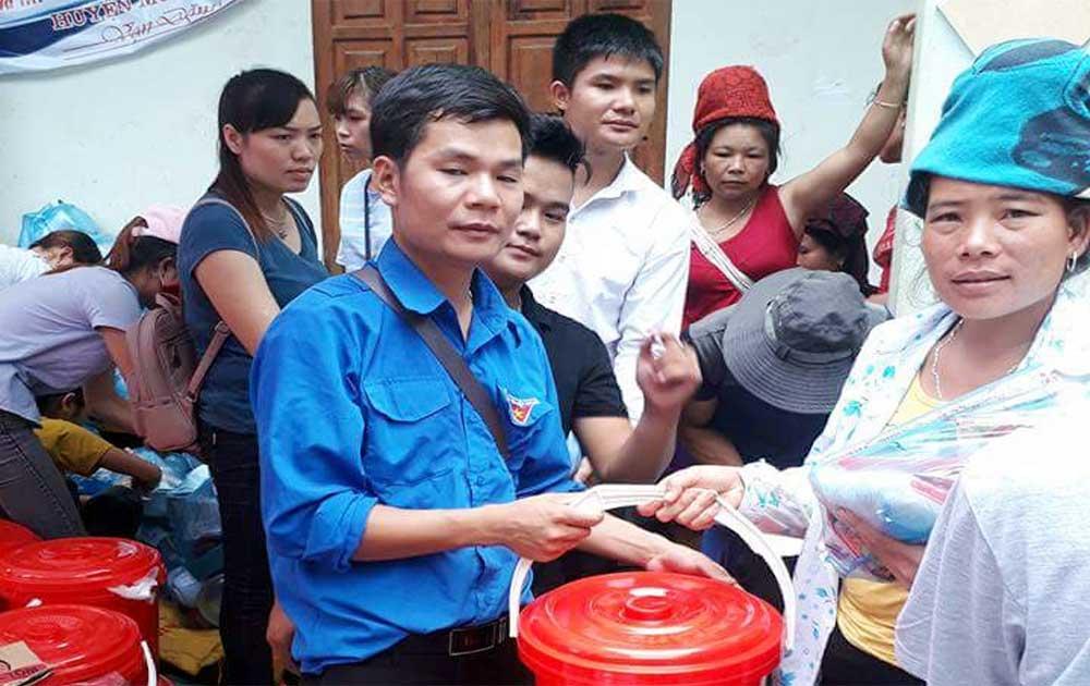 Hỗ trợ người dân thiệt hại do lũ quét ở tỉnh Sơn La