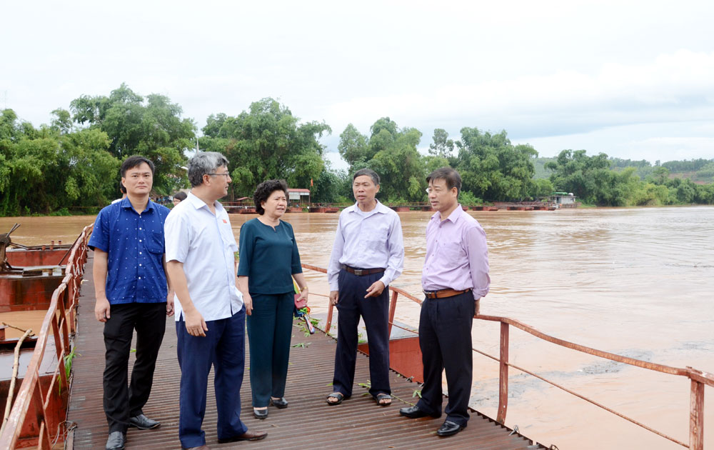 Đoàn ĐBQH khảo sát việc giải quyết kiến nghị của cử tri tại huyện Lục Nam và Yên Dũng