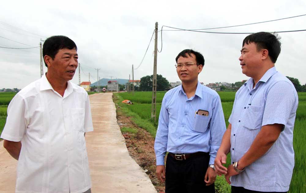 Bí thư Tỉnh ủy Bùi Văn Hải chỉ đạo: Duy trì thường xuyên việc xử lý rác thải nông thôn