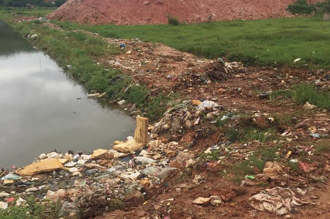 Khắc phục ô nhiễm môi trường trên kênh Yên Lại