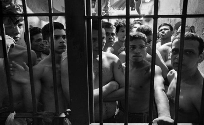 Bạo loạn trong nhà tù Venezuela, ít nhất 37 tù nhân thiệt mạng