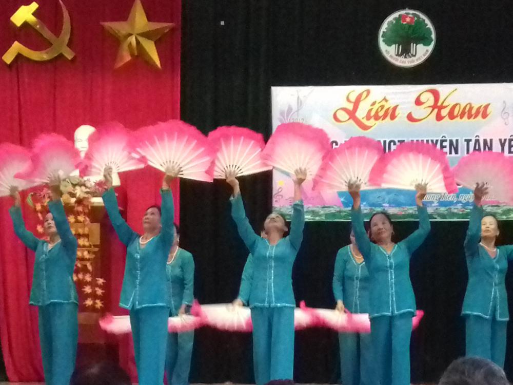 Tân Yên liên hoan tiếng hát người cao tuổi