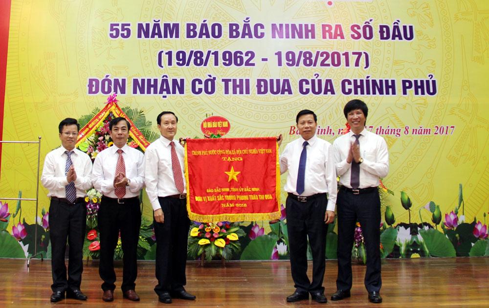 Báo Bắc Ninh: Kỷ niệm 55 năm ngày ra số đầu và đón nhận Cờ thi đua của Chính phủ