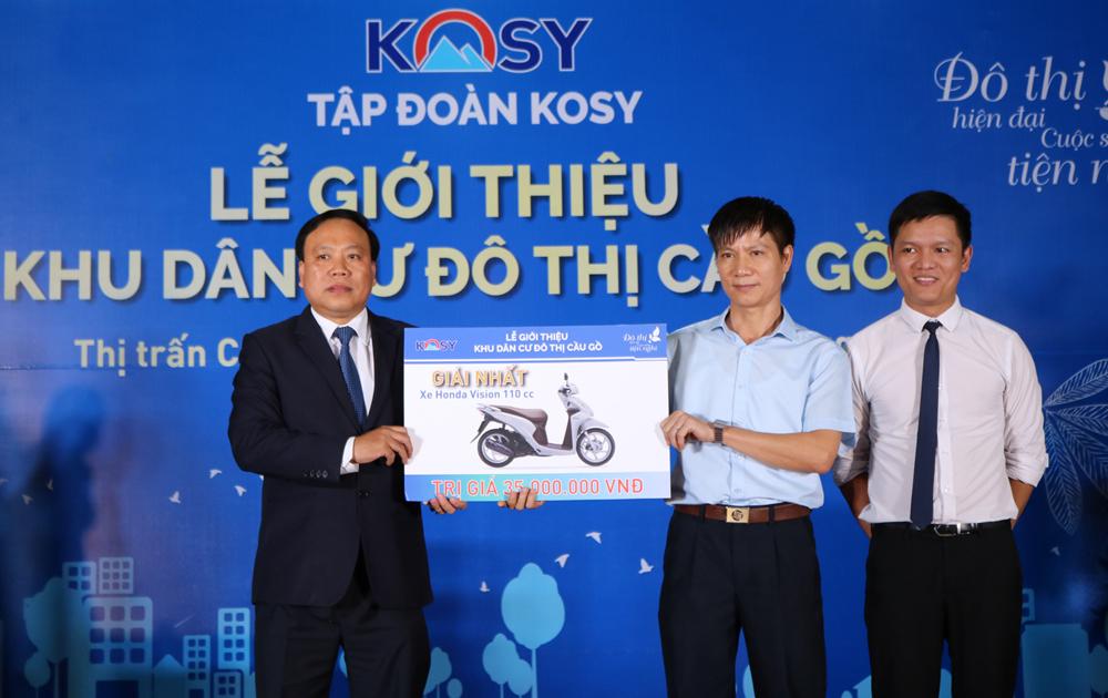 Một khách hàng của dự án khu dân cư đô thị Cầu Gồ trúng thưởng xe máy Honda Vision