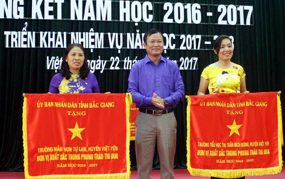 Việt Yên: Tiếp tục đẩy mạnh xã hội hóa, nâng cao chất lượng giáo dục
